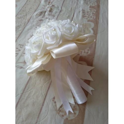 Сватбен букет Бяло и екрю