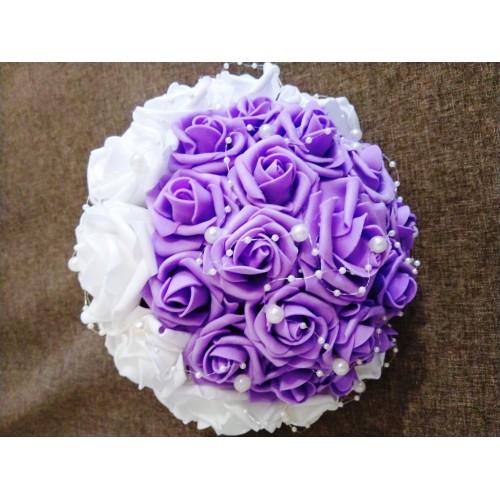 Булчински букет Бяло и лилаво