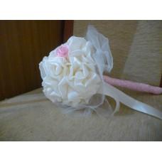 Булчински букет Сатенени Рози