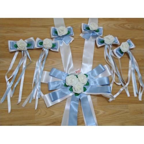 Сватбена украса в синьо и бяло