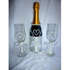 Сватбено шампанско с чаши