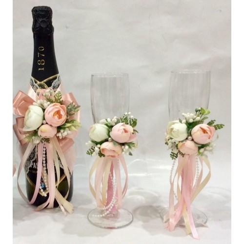 Сватбени чаши и подвижна украса за шампанско